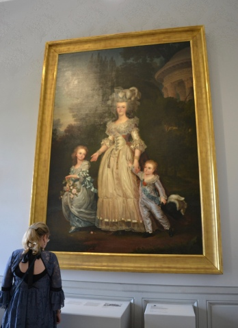 Marie Antoinette and her children.
